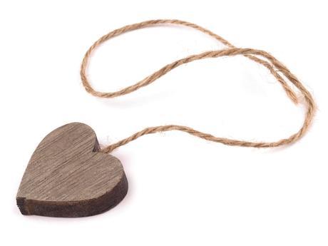 Dřevěná dekorace- srdce 3x3 cm s provázkem,