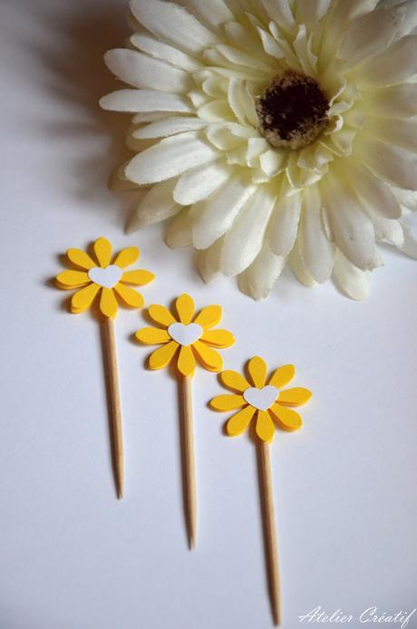 Rautová napichovátka-květina III.,