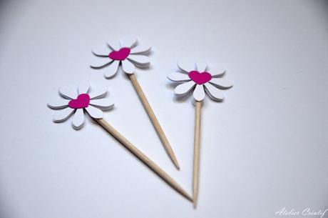 Rautová napichovátka-květina IV.,