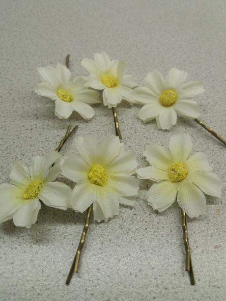 Bílo žluté květiny do vlasů na sponce,