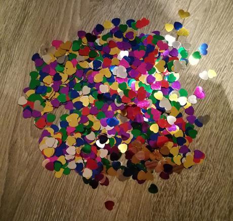 Foliové lesklé konfety srdíčka,