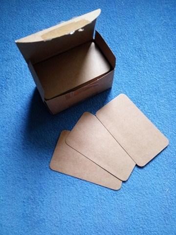 Papírové kartičky 100 ks - přírodní, hnědé,