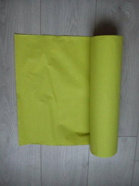 Zelený papírový ubrus,