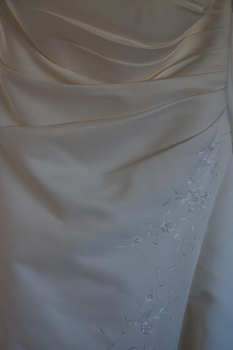 Vyšívané šaty z Francie, 46
