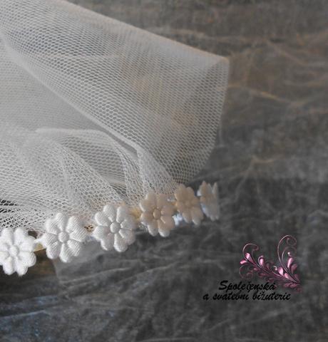 Krátký svatební závoj 16-Skladem,