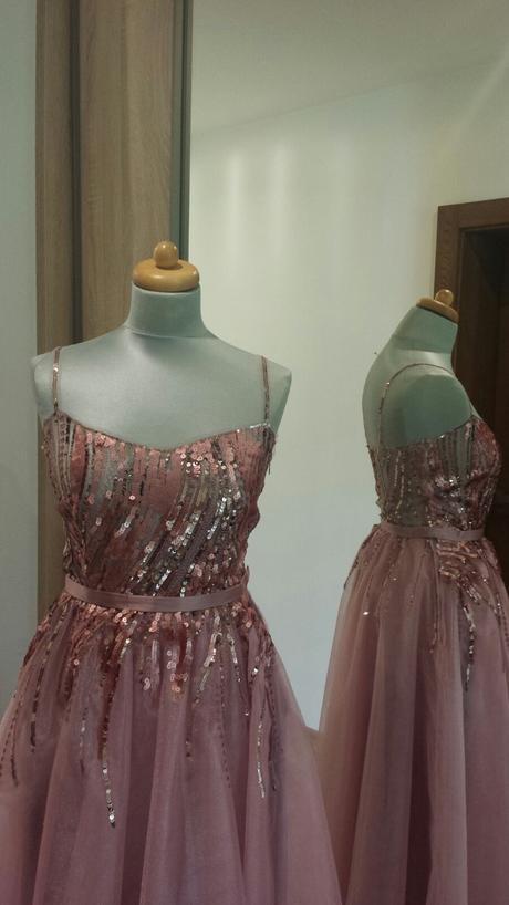 Jedinečné spoločenské šaty, 36