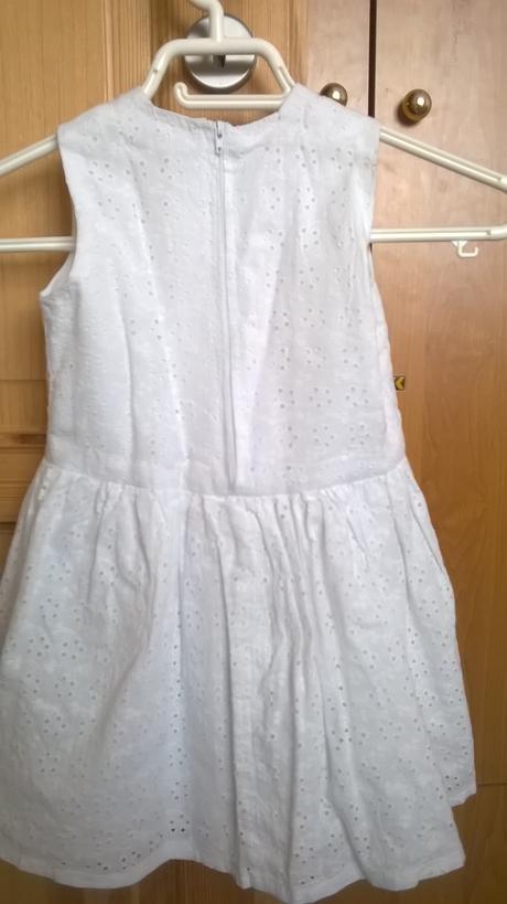 bílé šaty pro družičku z madeiry, 104