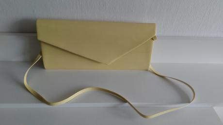 Lakované psaníčko pastelově žluté ,