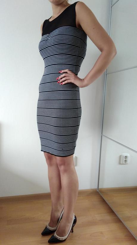 Luxusní koktejlové šaty Guess, 36