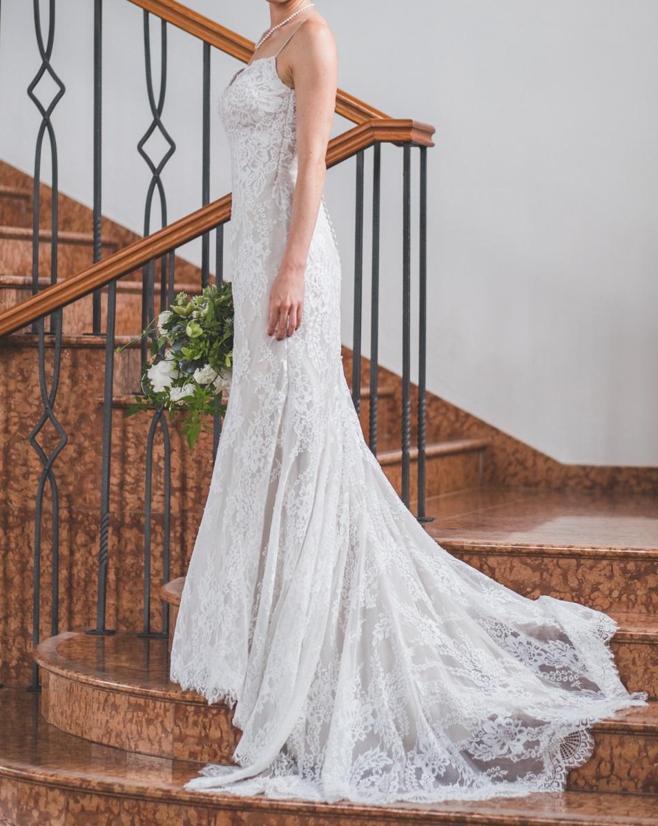 1830d13bfba8 Čipkované vintage svadobné šaty (bb)