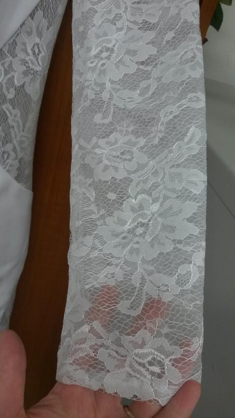 Nenosené elegantne svadobne saty s vlečkou, 36