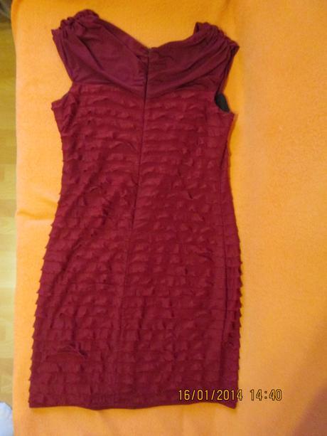 krátke vínové šaty, 46