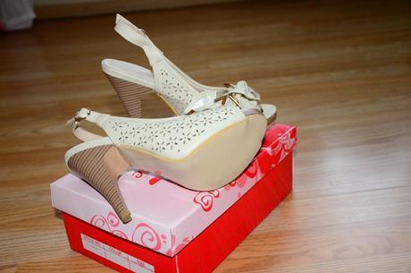 Telové sandálky, 37