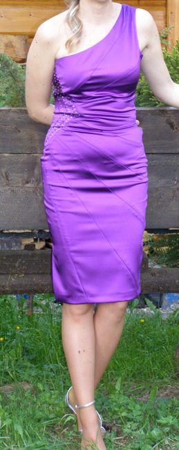 Asymetrické šaty fialovej farby, 36