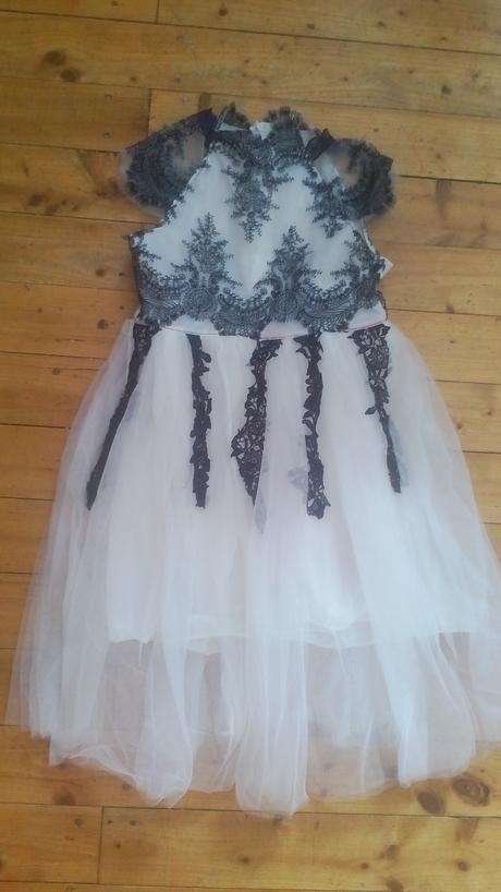 Atypické šaty , 140