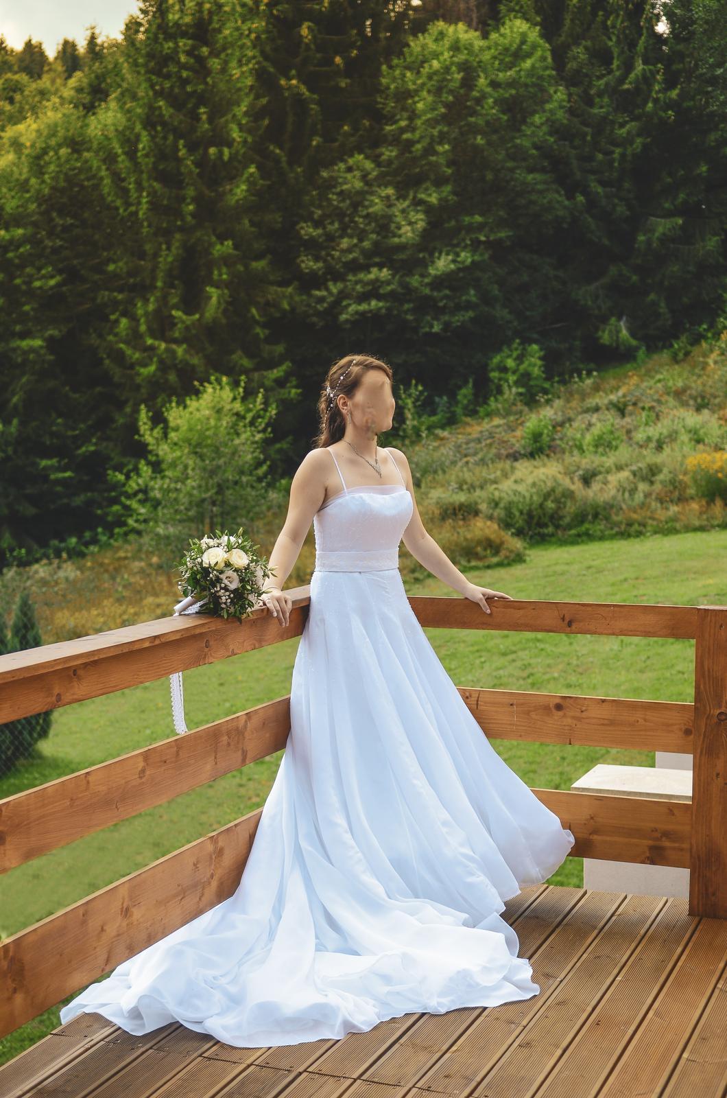 e26fd669ac35 Španielske svadobné šaty