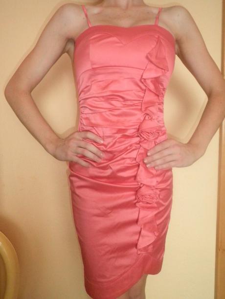 Krátke moderné šaty, S