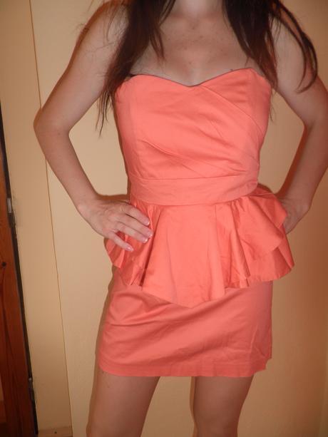 Moderné lososové šaty , S