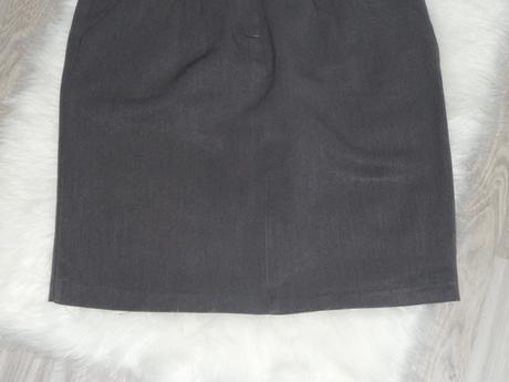 Elegantná šedá sukňa , 42