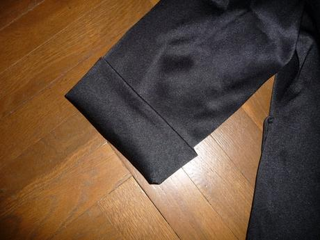 Nenosené čierne lesklé sako značky Bonprix, 40