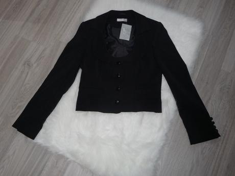 Nenosené čierne sako, 38