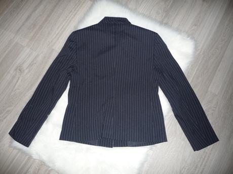 Pásikové elegantné sako značky Benetton, M