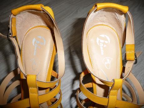 Žlté sandále značky Baťa, 41
