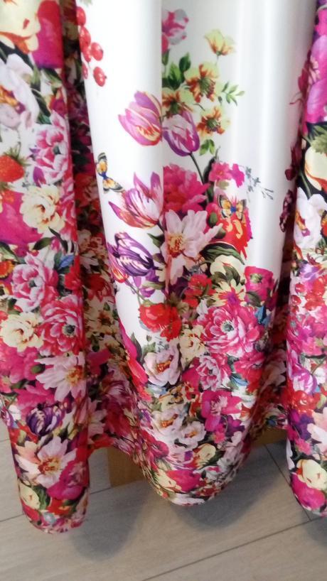 Popolnočné šaty (kvietkované / mnohofarebné), 38