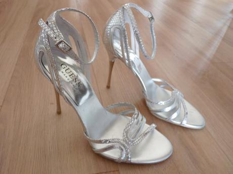 Stříbrné sandálky Guess by Marciano, 36
