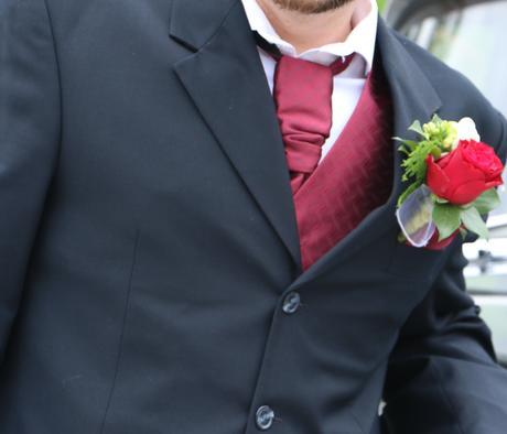bordová svadobná vesta, 40