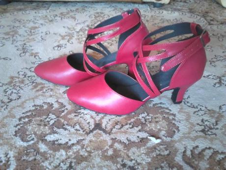 Tanečné topánky, 39