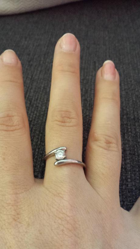 prsteň,