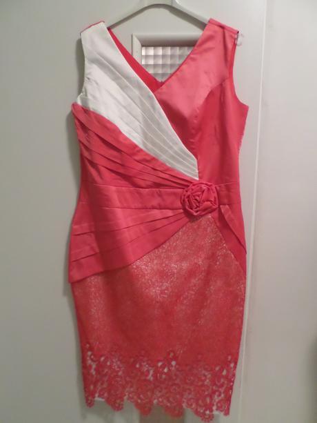 Puzdrové šaty, 44