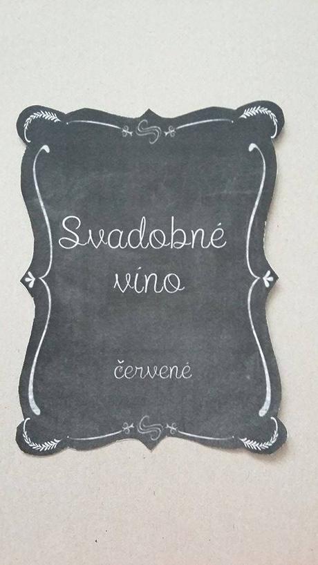 Samolepiace označenie na víno,