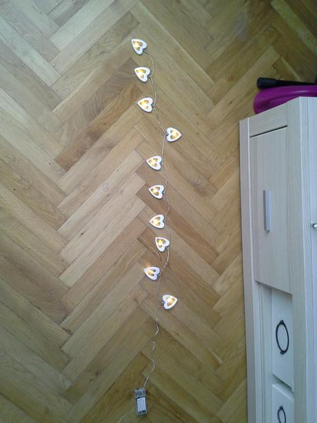 Světelný srdíčkový řetěz,