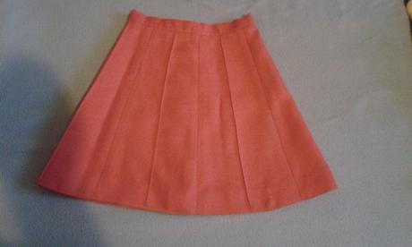 Dievčenska suknička, 116
