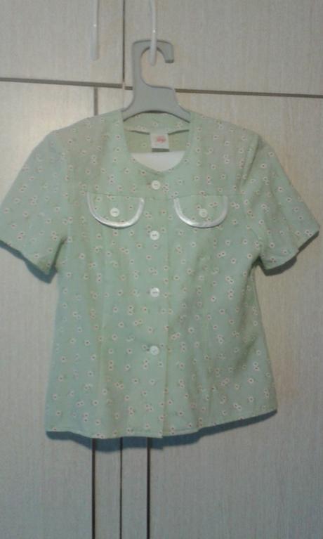 Dievčenský kostýmček, 134