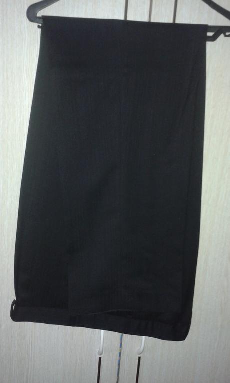 Elegantný pánsky oblek, 56