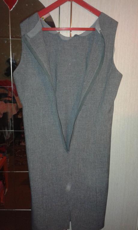 Jednoduché dámske šaty, 42