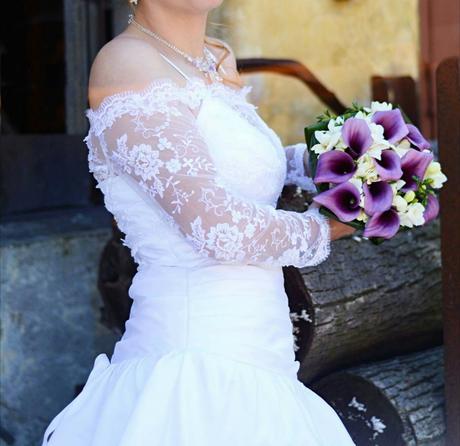 Svatební šaty kvalitní, 38