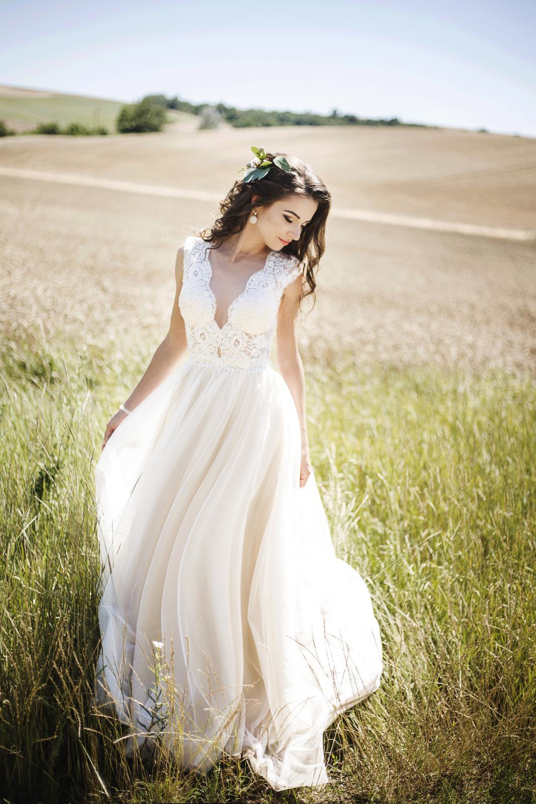 Nádherné svadobné šaty v boho štýle a55b65f6a93