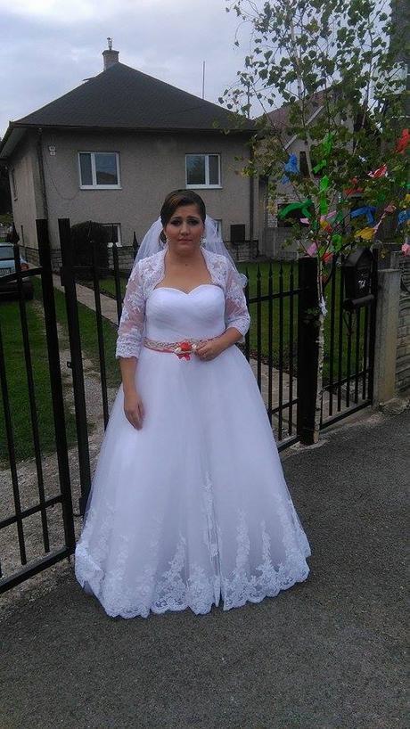 svadobne saty, 44