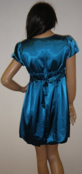 Saténové šaty, 40