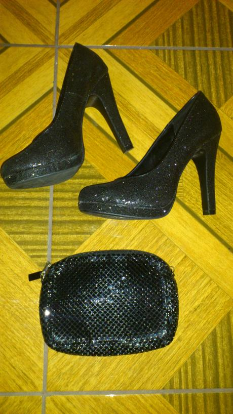 Topánky a kabelka, 38