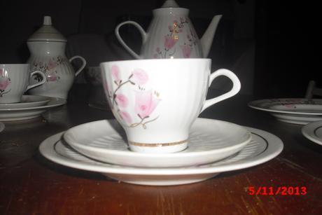 kvetinová čajova súpravička,