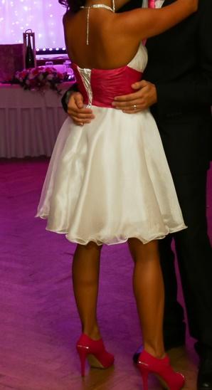Spoločenské šaty bielo-cyklamenové, 38