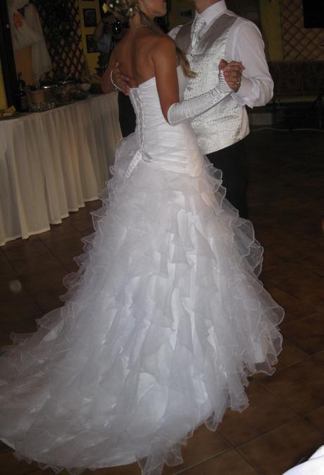 Princeznovské volánkové sněhobílé šaty, 38
