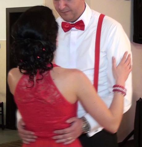 Spoločenské šaty - červené (na redový tanec), S