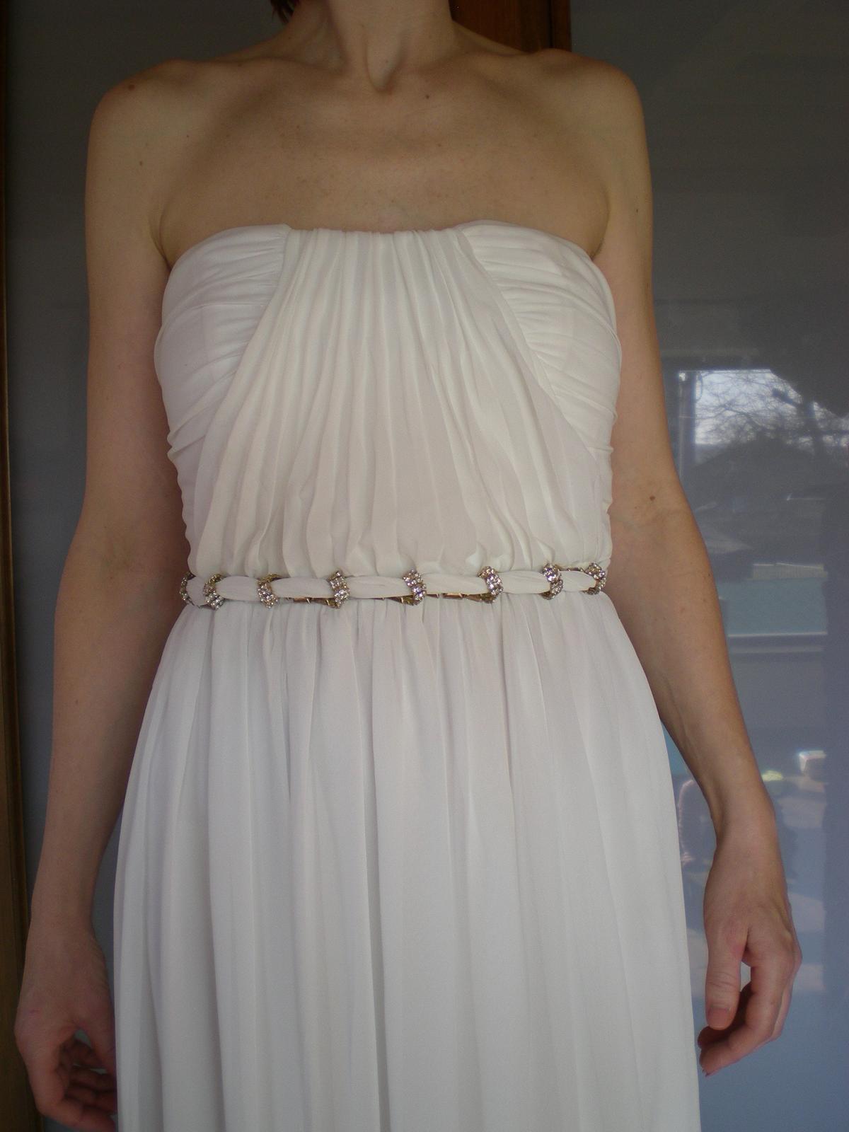 Antické svadobné šaty vhodné aj pre tehuľky 653d5514ffd