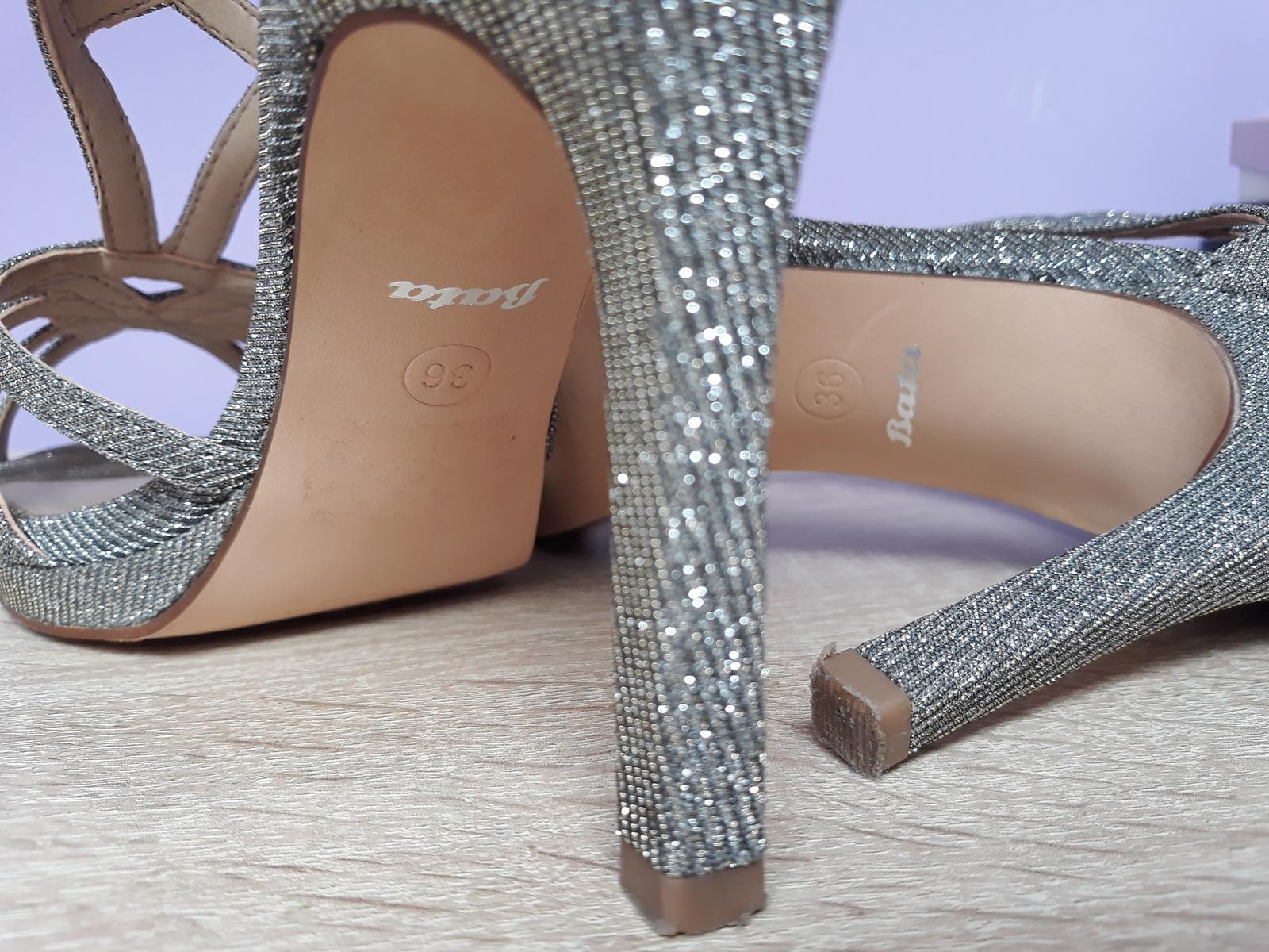 25b81fd9a054 Strieborné spoločenské sandále
